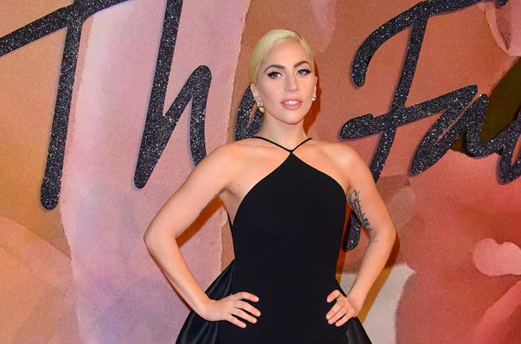Lady-Gaga-Donates-