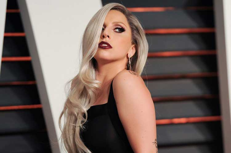 Lady-Gaga's-bravery